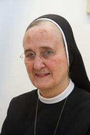 Schwester Adelgundis Pastusiak betreut weiterhin die Paten und Spender. Foto: SMMP/Bock